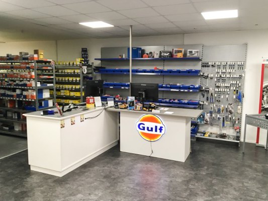 AVH Autoteile in Bad Oeynhausen - Innenansicht & Sortiment